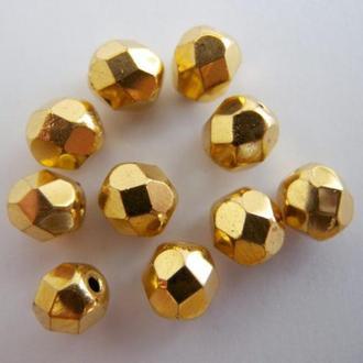Граненые стеклянные чешские бусины с покрытием  золота 4мм. Упаковка 30бусин.