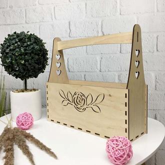 Декоративная корзина из дерева для цветов