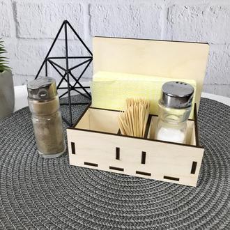 Деревянная спецовница для соли и перца