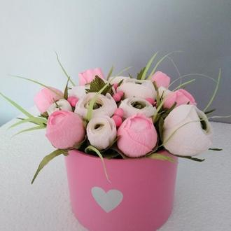 Букет цветов с конфетами