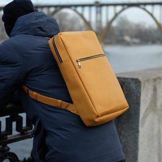 Кожаный рюкзак под ноутбук