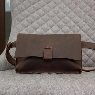 Красивая поясная сумка из натуральной кожи коричневый