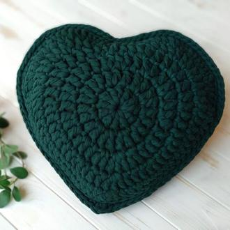 В'язана подушка серце