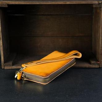 Кожаный кошелек на круговой молнии с ручкой, кожа краст, цвет янтарь