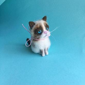 Милейшая интерьерная игрушка котик