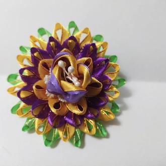 Резинка с цветком в технике Канзаши