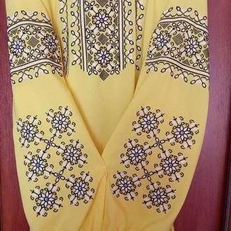 домоткана вишиванка з орнаментом