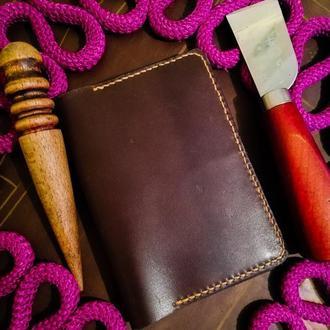 Обложка на паспорт из натуральной кожи Crazy Horse и Crast (цвет Cognac)