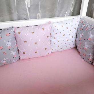 Комплект бортиков в детскую кроватку с зайками