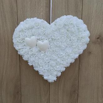 Белое сердце из роз
