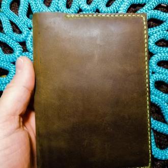 Обложка на паспорт из натуральной кожи Crazy Horse и Crast (цвет Old Brown)