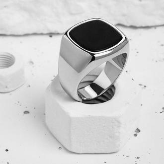 Серебряный мужской перстень с натуральным камнем Оникс