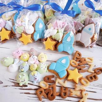 Набор сладостей для детей (пряники, маршмеллоу, печенье)