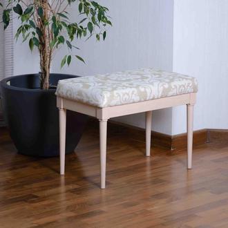 Банкетка из дерева с обивкой