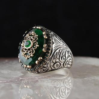 Серебряный мужской перстень с зеленым цирконием ручной работы