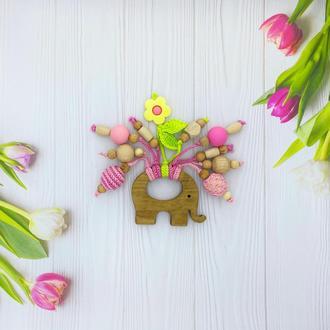 Грызунок-слоник с деревянными и силиконовыми элементами