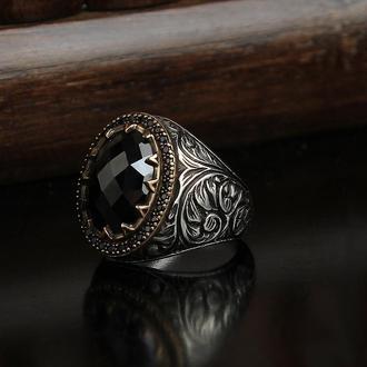 Перстень из серебра 925 пробы Черный цирконий