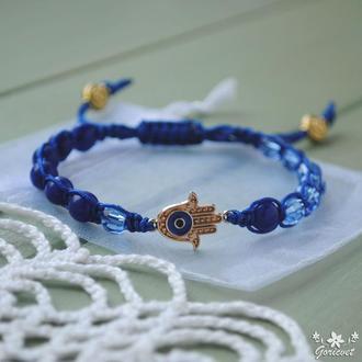 Плетеный браслет оберег Рука Фатимы (Hamsa) с глазом, сапфировыми и стеклянные бусинами