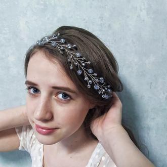 Венок для волос серебристый с голубым оттенком