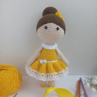 Кукла  в желтом платье