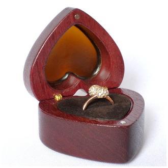 "Шкатулка ,футляр,коробочка для обручальных колец ""Red Love"" ,на садьбу"