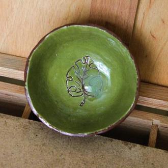 Тарелка с листиком