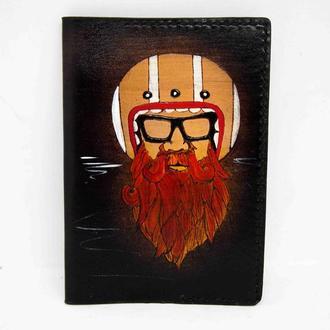 Кожаная обложка на паспорт бородач