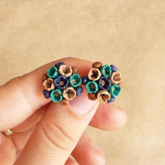 Бирюзово синие серьги гвоздики с цветами