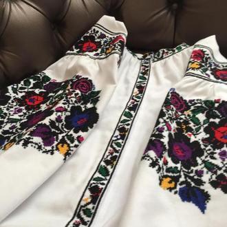 Стильная борщевская вышитая сорочка в современном исполнении. Вышиванка ТМ SavchukVyshyvka