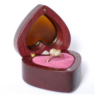 """Футляр для кольца """"ReD LOVE"""" ,шкатулка,шкатулочка, коробочка,подушечка для обручальных колец из дере"""