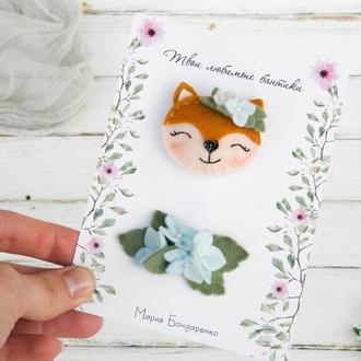Милые заколки для девочки с лисичкой и голубыми цветами / Гарні заколочки дівчинці