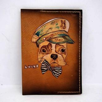 Кожаная обложка на паспорт собака моряк, подарок моряку, обложка на документы
