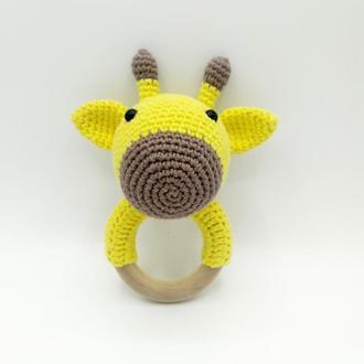 Погремушка грызунок Жираф с именем ребенка, подарок для новорожденного, первая игрушка амигуруми