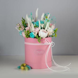 Букет «Нежность» – живые стабилизированные цветы в шляпной коробке