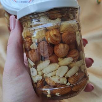 Мед с орехами (ассорти)