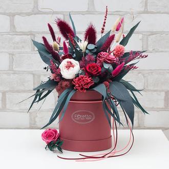 Букет «Королевская роскошь» – живые стабилизированные цветы в шляпной коробке