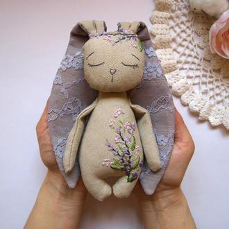 Игрушка из льна Зайка с лавандовой вышивкой