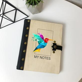 Блокнот из кожи и дерева с изображением колибри