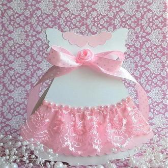 Детская бонбоньерка в виде платьица.