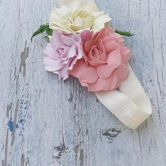 Детская повязка с розовыми цветами на голову