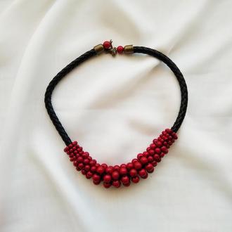 Красно черные бусы , массивные керамические бусы