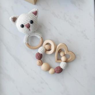 Подарочный набор для новорожденного малыша с погремушкой кошкой и деревянным прорезывателем