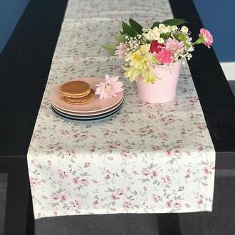Скатерть из хлопка с розовыми цветами на белом. Скатерть-раннер. Скатерть-дорожка.