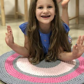Вязаный круглый хлопковый ковер из трикотажной пряжи в полоску розово-серого цвета для девочки