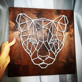 Картина «пантера» гвоздями и нитями, размер 37 на 37 см , основа первосортная фанера , нити