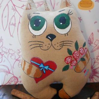 Кофейный кот с букетом роз!
