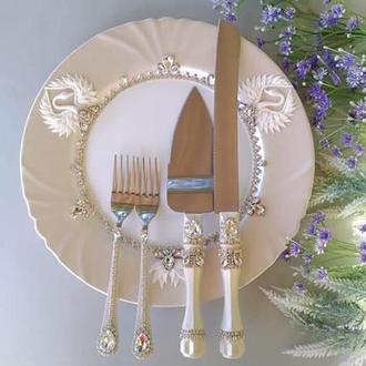 """Весільний прилад для торта """"Білий перламутр з лебедями"""""""