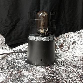 Лампа бетонная с сеткой