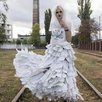 Платье  из нетрадиционных материалов