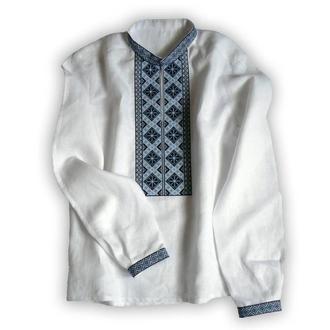 Вышиванка мужская с сине-голубой вышивкой крестиком